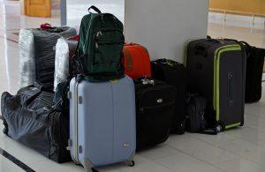 Reisetaschen und Gepäck am Flughafen